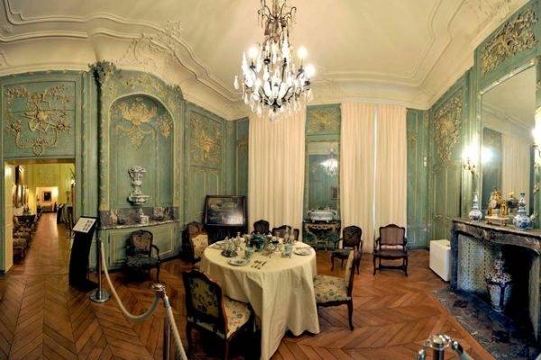 Patrimoine_Sandelin_Salle-a-manger-boiseries-classees-Musee-de-l-hotel-Sandelin-C-Carl-Peterolff_page